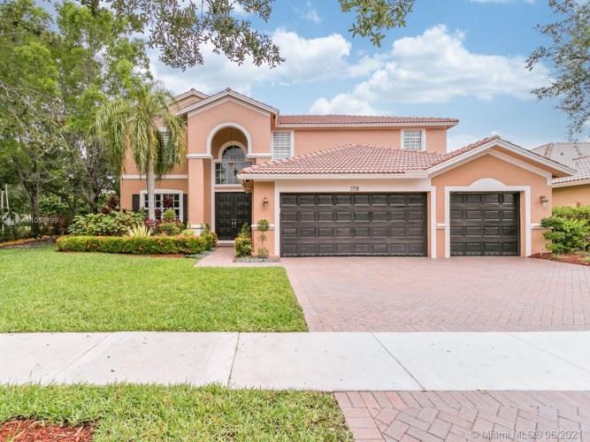3791 W Gardenia Ave, Weston, FL 33332