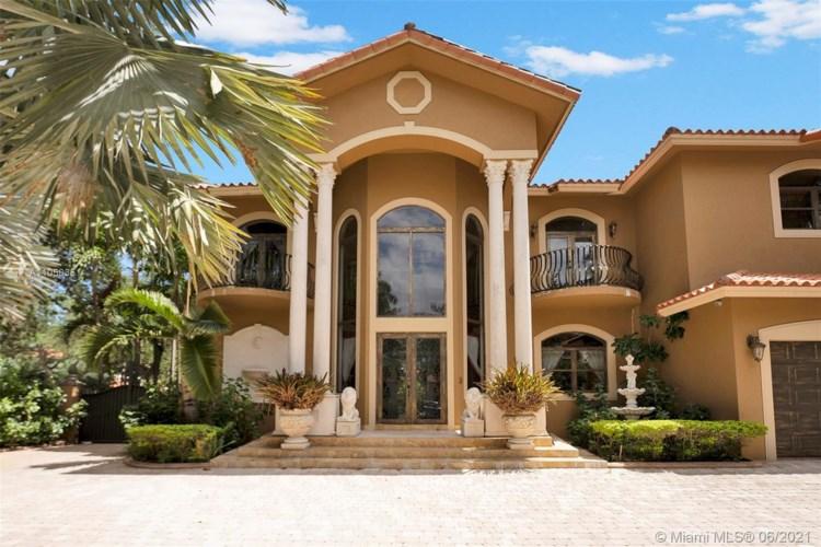 8200 NW 163rd St, Miami Lakes, FL 33016