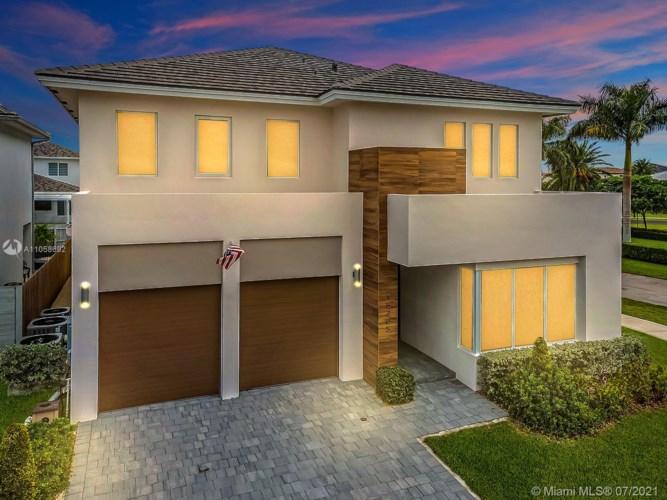 15205 SW 176th Ter, Miami, FL 33187