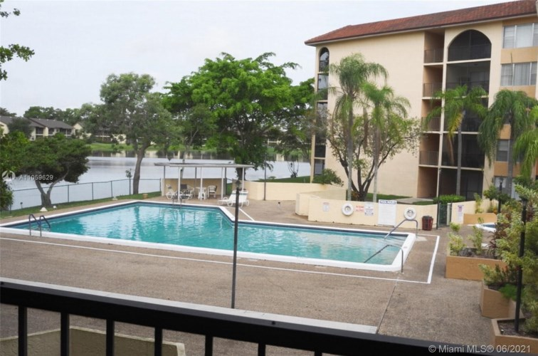 3905 N Nob Hill Rd  #209, Sunrise, FL 33351