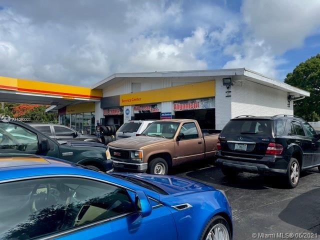 301 E Sample Rd, Deerfield Beach, FL 33064