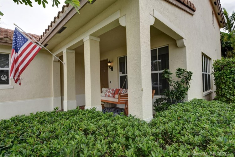 10608 NW 36th St, Coral Springs, FL 33065
