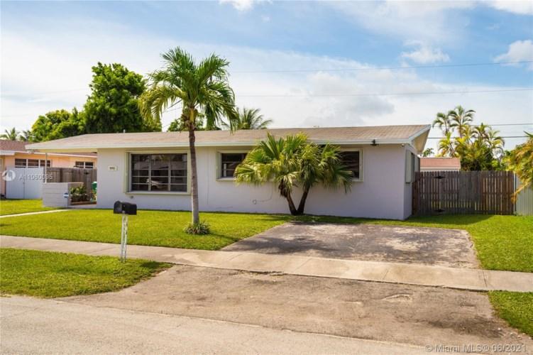 9955 SW 214th St, Cutler Bay, FL 33189