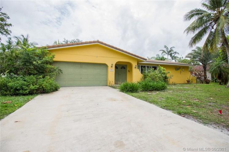 930 Renmar Dr, Plantation, FL 33317