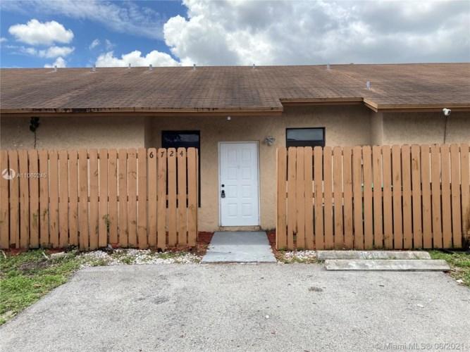 , Hialeah, FL 33015