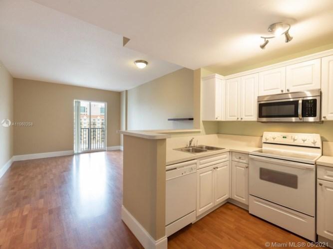10 Aragon Ave  #818, Coral Gables, FL 33134