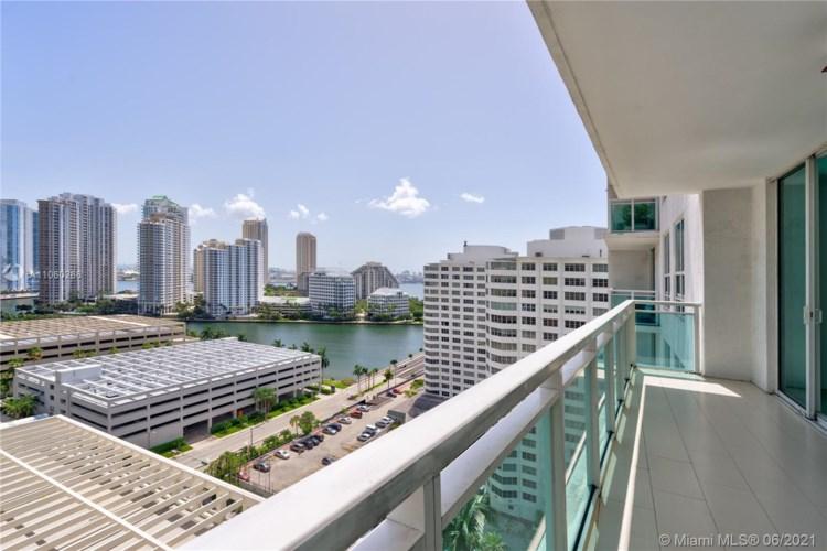 950 Brickell Bay Dr  #1706, Miami, FL 33131