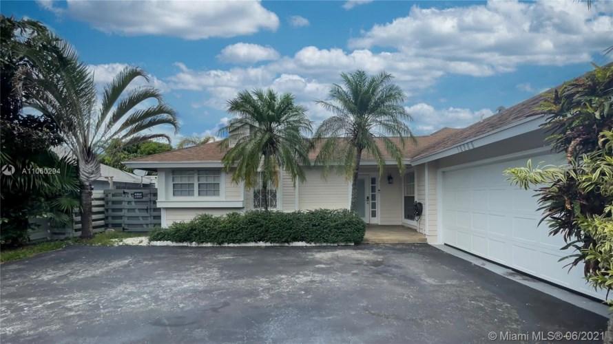 10265 SW 141st Ct, Miami, FL 33186