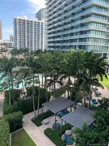 650 NE 32nd St  #806, Miami, FL 33137