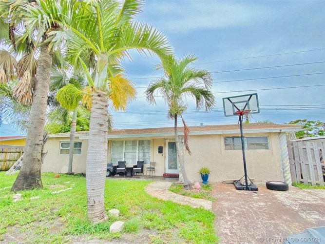 1173 SW 1st Terrace, Deerfield Beach, FL 33441