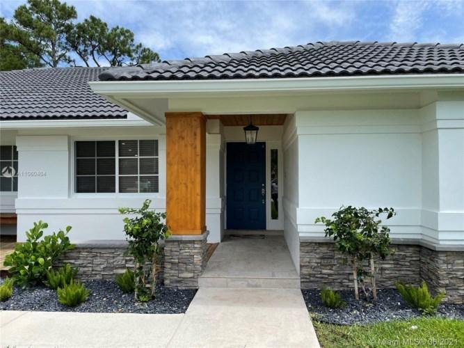9305 Old Pine Rd, Boca Raton, FL 33428