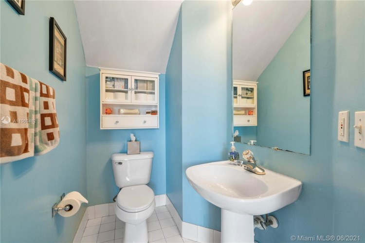 11272 NW 34th Ct, Coral Springs, FL 33065