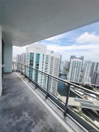 90 SW 3rd St  #4003, Miami, FL 33130