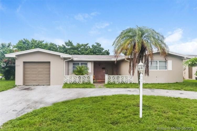 7891 NW 14th St, Pembroke Pines, FL 33024