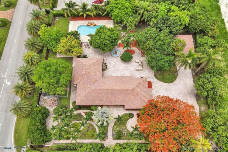 9700 SW 136th St, Miami, FL 33176