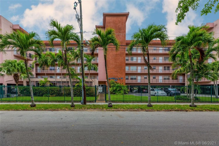 900 SW 84th Ave  #214B, Miami, FL 33144
