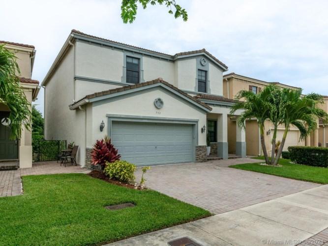 733 NE 193rd Ter, Miami, FL 33179