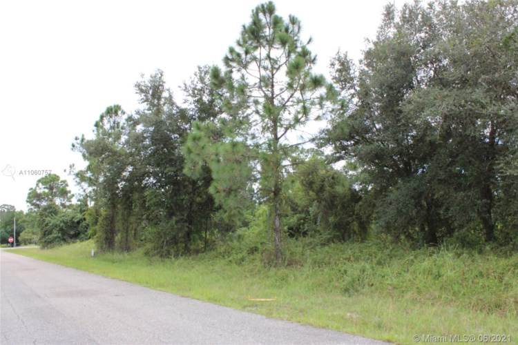 504 8 Ave, Other City - In The State Of Florida, FL 33972