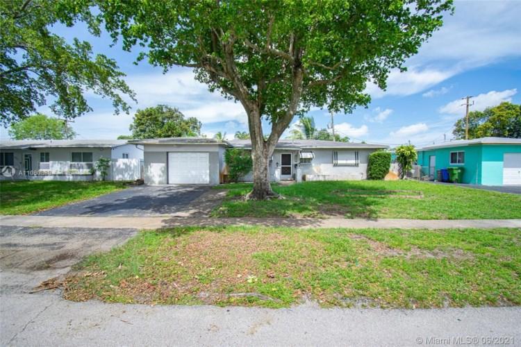 621 NW 78th Ave, Pembroke Pines, FL 33024