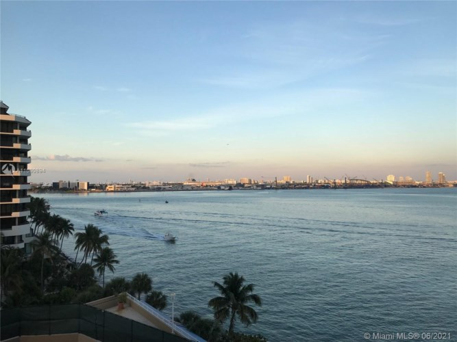 770 Claughton Island Dr  #1709, Miami, FL 33131