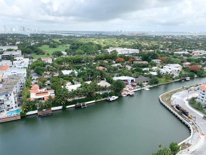 2555 Collins Ave  #PH112, Miami Beach, FL 33140