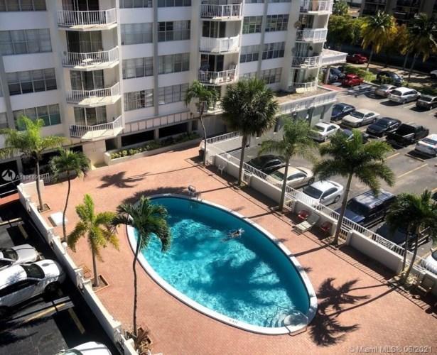 16710 NE 9th Ave  #709, North Miami Beach, FL 33162