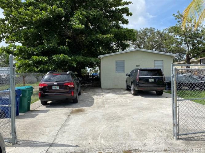 3051 NW 95th St, Miami, FL 33147