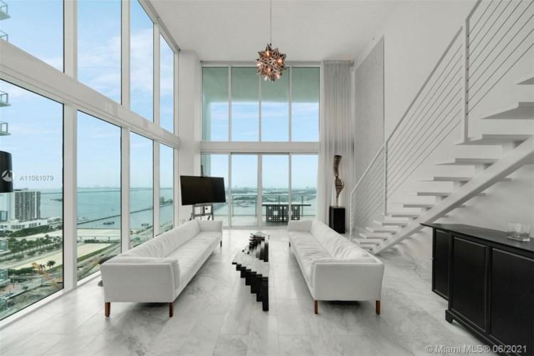 1040 Biscayne Blvd  #3304, Miami, FL 33132