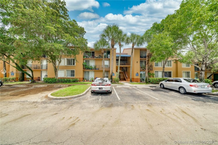 10781 Cleary Blvd  #306, Plantation, FL 33324