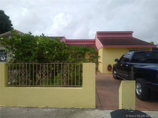 11512 SW 3rd St, Sweetwater, FL 33174