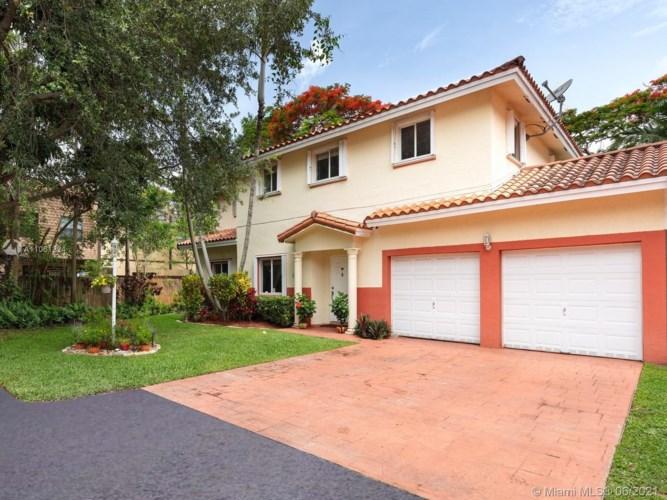 6545 SW 55th Ter, South Miami, FL 33155