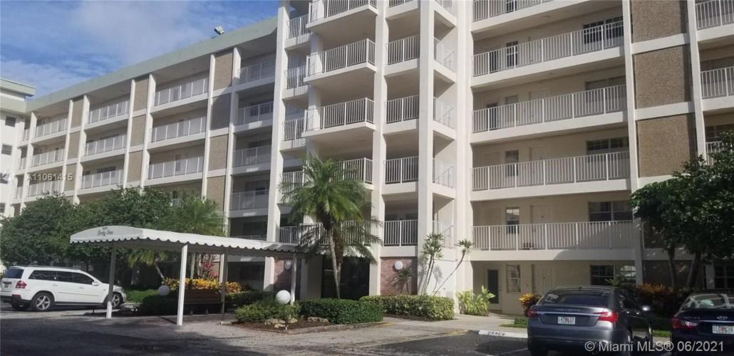 3100 N Course Ln  #207, Pompano Beach, FL 33069