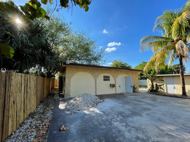 633 NW 15th Ave, Fort Lauderdale, FL 33311
