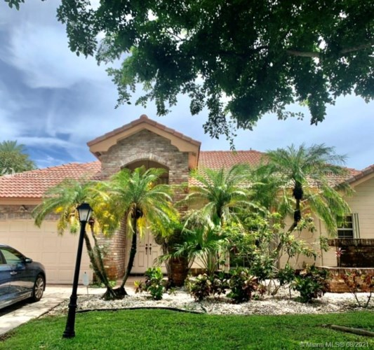 4700 Chardonnay Dr, Coral Springs, FL 33067