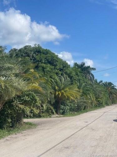 16355 sw 209 ave, Miami, FL 33187