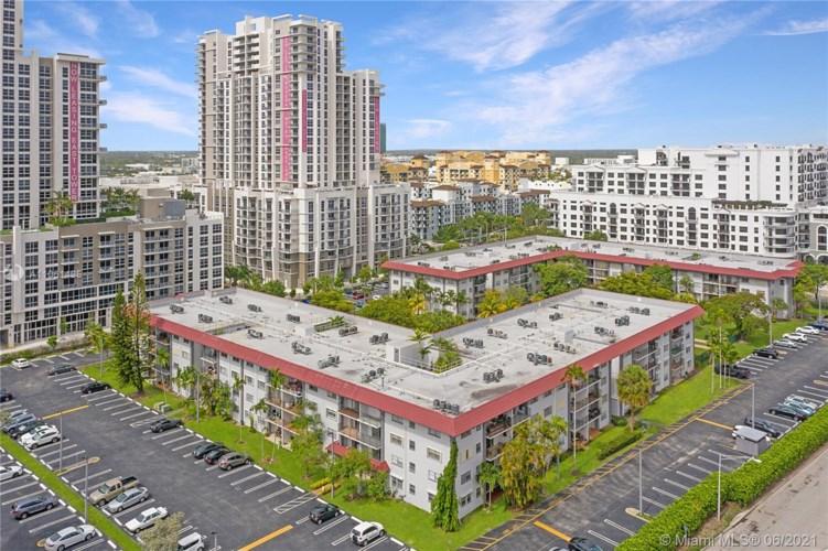 8101 SW 72nd Ave  #206W, Miami, FL 33143