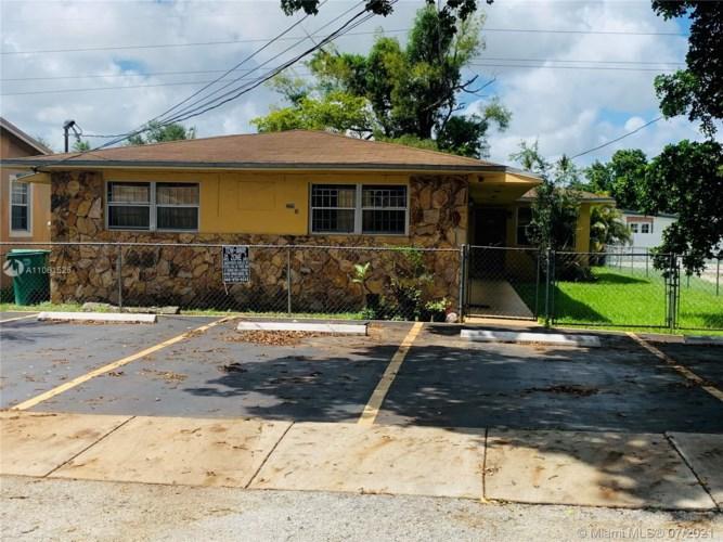 2229 NW 82nd St, Miami, FL 33147