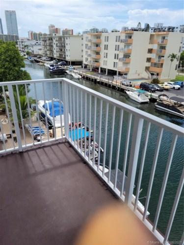 3536 NE 168th St  #403, North Miami Beach, FL 33160