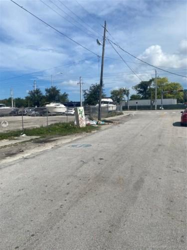 1017 NW 79th St, Miami, FL 33150