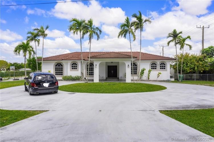 10305 SW 70th St, Miami, FL 33173