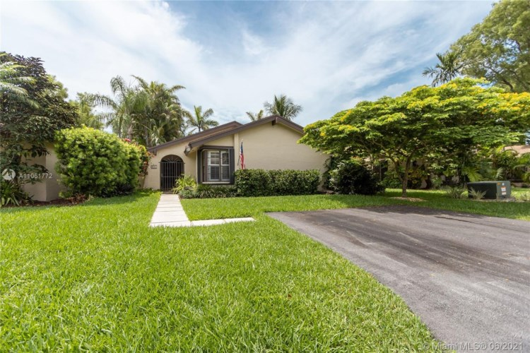 9144 SW 132nd Ln, Miami, FL 33176