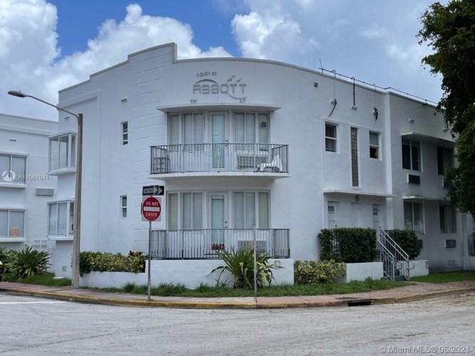 320 80th St  #6, Miami Beach, FL 33141