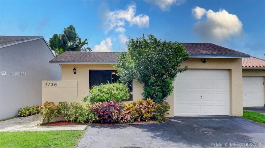 7136 SW 103rd Pl, Miami, FL 33173