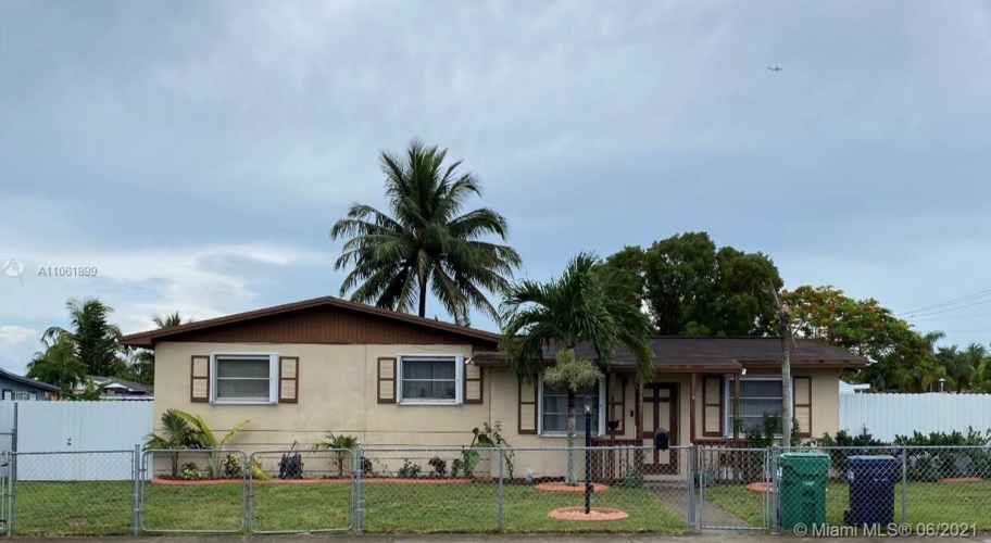 15140 SW 297th St, Homestead, FL 33033