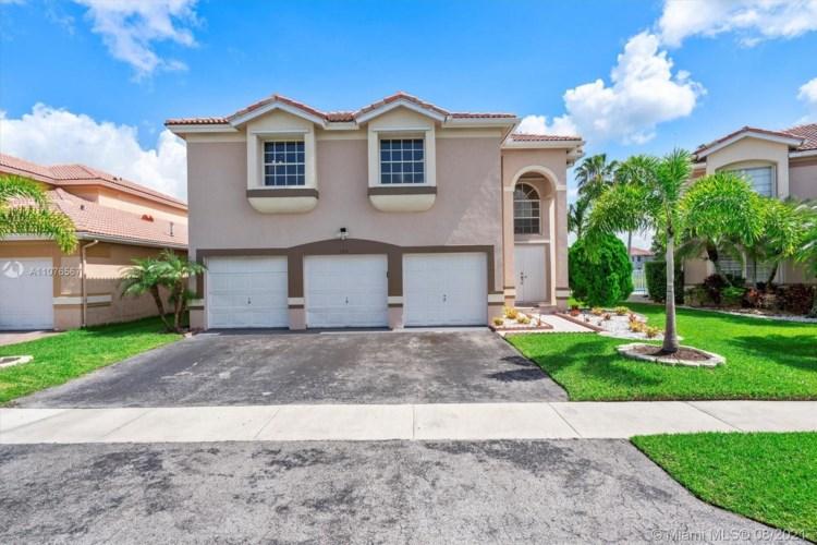 153 Granada Ave, Weston, FL 33326