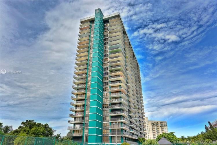 780 NE 69th St  #804, Miami, FL 33138