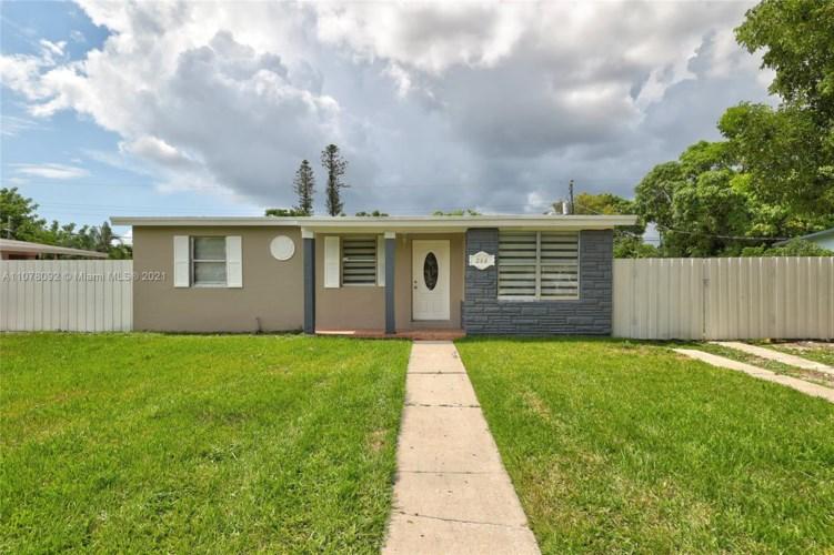 266 NE 42nd Ct, Deerfield Beach, FL 33064