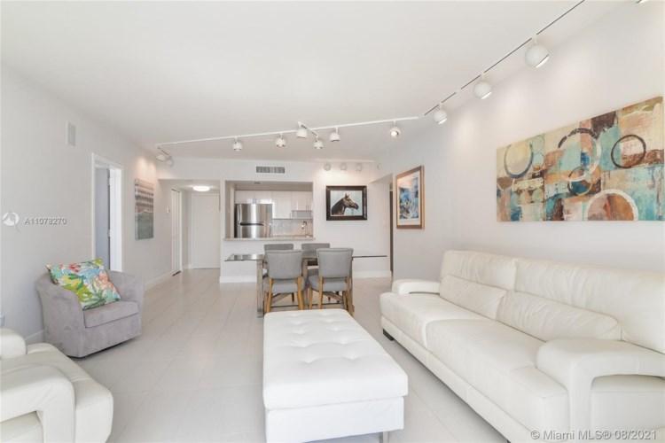 11111 Biscayne Blvd  #9D, Miami, FL 33181