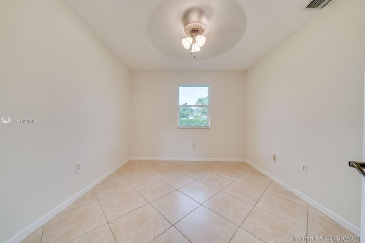 12851 Luray Rd, Southwest Ranches, FL 33330