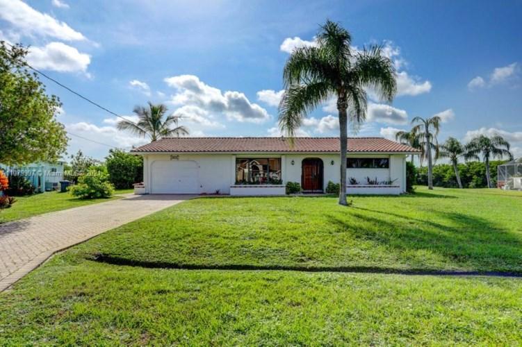 1075 SE Coral Reef Street, Port St. Lucie, FL 34983